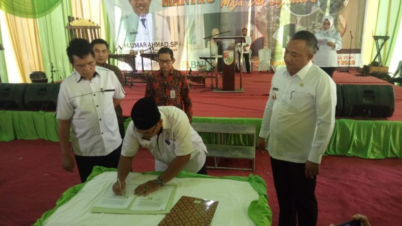 Foto : Bupati Tubaba H. Umar Ahmad, SP Launching Program Mantra. [Basuni].